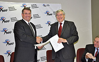 Agreement signed for the IAU Office for Astronomy Development